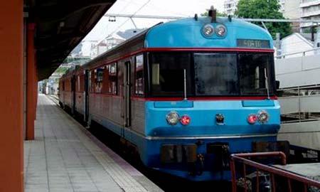 El tren que une en la actualidad Vigo y Oporto.