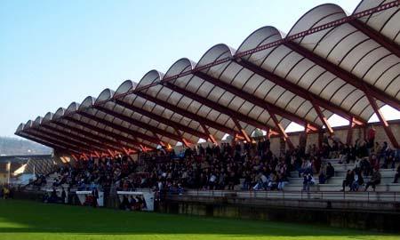 Unos 900 espectadores se acercaron a Barreiro.