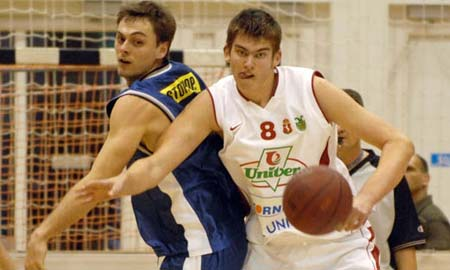El pívot húngaro Laszlo Dobos.