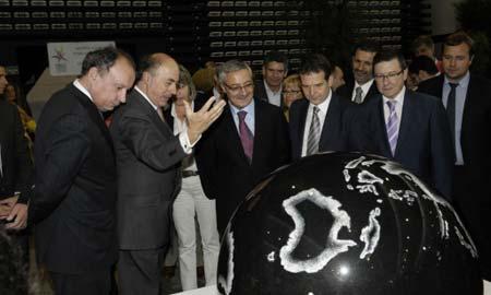 El ministro de Fomento, José Blanco, visitó la feria esta semana.