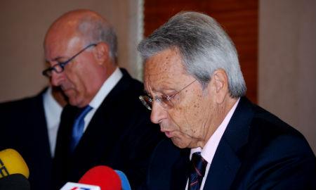 E profesor Vicens y el presidente de Caixanova, Julio Fernández Gayoso