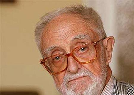 El escritor José Luis Sampedro