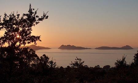 Unha das boias xa está instalada nas illas Cíes