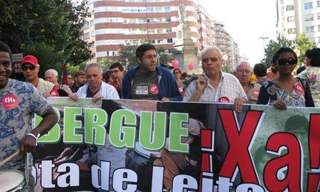 Manifestación contra la pobreza convocada por el Foro Social Galicia Sur