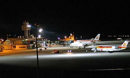 Desde Peinador se volará a Bruselas y Sevilla. Foto: Luis Alves