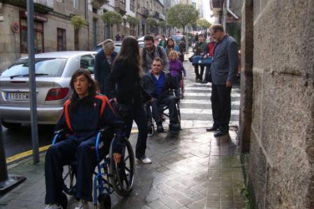 Superpiñeiro estivo esta mañá en cadeira de rodas.
