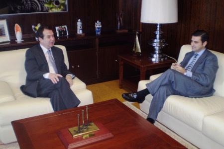 Reunión entre o alcalde e Germán Serrano, Xuíz Decano.