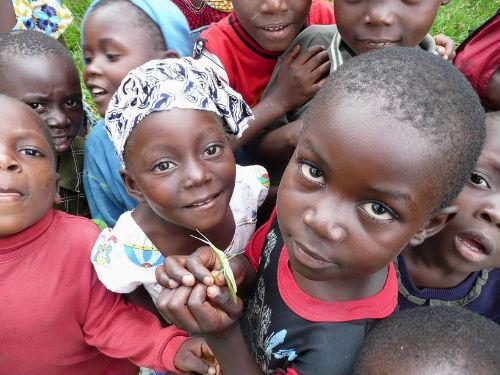 Aún estás a tiempo de ir al Maratón de Risas por Haití, hoy en Caixanova