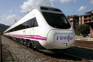 La huelga de Renfe obliga a suspender hoy los enlaces con Oporto y Bilbao