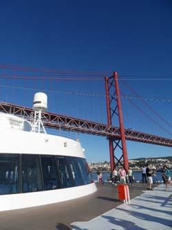 A quien madruga…Lisboa le recibe: el 'Grand Voyager' atraca en la capital portuguesa