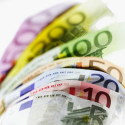 Recupera un bolso con 2.174 euros que había perdido tras sufrir un ataque epiléptico