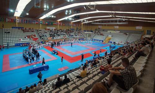 Taekwondistas de 48 países desfilan sobre el tatami de Vigo