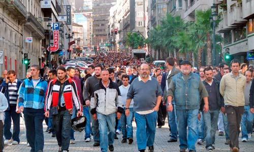 Máis de 4.500 traballadores do naval saen á rúa para denunciar a precariedade laboral