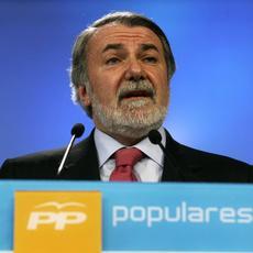 """Mayor Oreja """"el Gobierno ya ha pactado con ETA que Sortu esté en las Municipales"""""""
