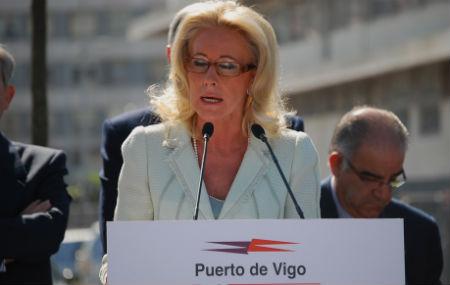 Font dice que Corina ha hecho del Puerto una discoteca setentera que pierde dinero