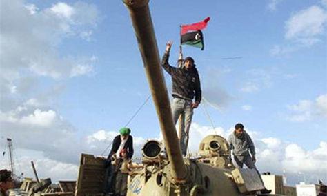 Los rebeldes se hacen con el enclave petrolero de Ras Lanuf