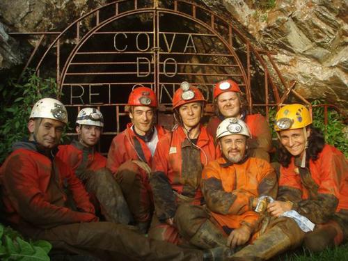 Un premio que custa barro, suor e grutas