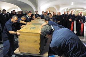 Finalmente, los restos de Juan Pablo II no se expondrán ante los fieles durante su beatificación