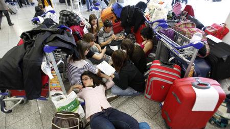 Galiza nova chama a concentrarse diante das oficinas de for Oficina de emprego galicia
