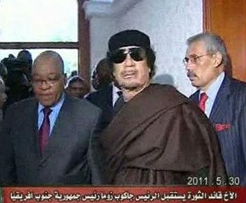 Gadafi ofrece al presidente de Sudáfrica un alto el fuego pero se niega a dimitir