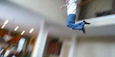 Muere un joven de 24 años practicando 'balconing' en Ibiza