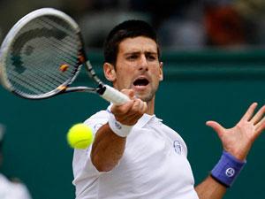 Djokovic da una bofetada a Nadal