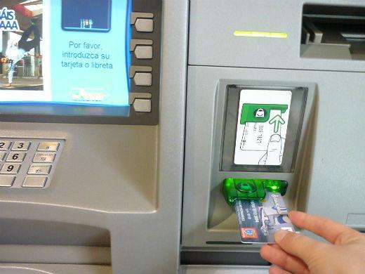 Sí o sí: que se ponga fin a los cobros abusivos de los bancos y cajas