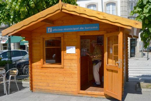 M s de turistas pasaron en 15 d as por la oficina de for Oficina turismo galicia
