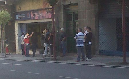 Cada hora hai dous parados m is en galicia vigo al minuto for Oficina de emprego galicia