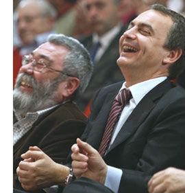 """Toxo (CCOO) se declara """"enamorado de la negociación"""" y Méndez (UGT) """"expectante"""" horas antes de verse con Rajoy"""