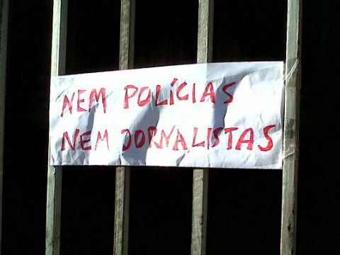 SMS de los okupas del asilo de Vigo… haciendo amigos, vaya