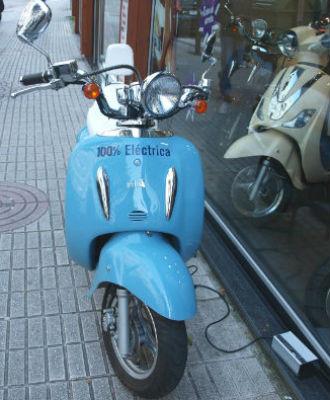 No seas roñoso, regálale una moto eléctrica por Reyes