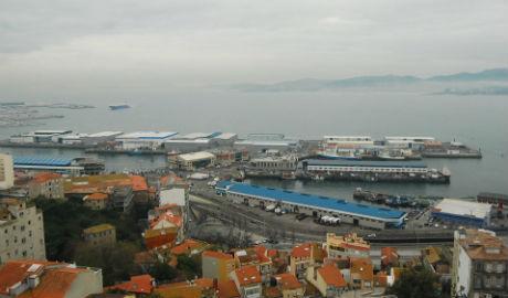 El PP culpa al alcalde de que el Puerto de Vigo sea un apéndice del de A Coruña