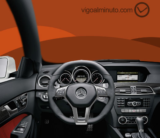 Pone en peligro a coches y viandantes al conducir temerariamente por Vigo