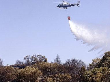 La batalla contra el fuego en Galicia arrasa más de 900 hectáreas de monte