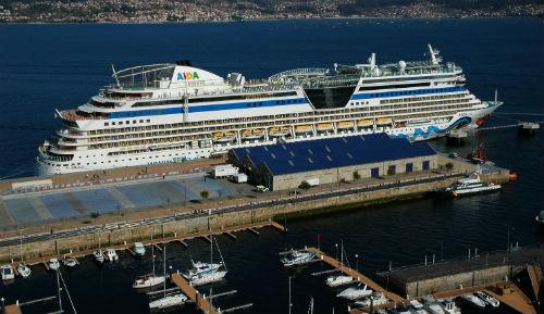 El crucero aidaluna atraca en el puerto de vigo por vez - Puerto de vigo cruceros ...