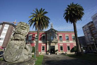 El Concello de Vilagarcía prohíbe a los vecinos reunirse en grupos en las aceras