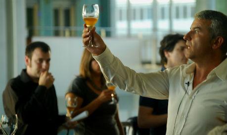 Vigourmet se presenta con una cata de cervezas al lado del mar