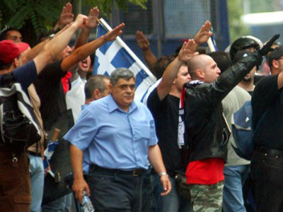 La Policía griega pide a los ciudadanos que denuncien a los inmigrantes al partido nazi Amanecer Dorado