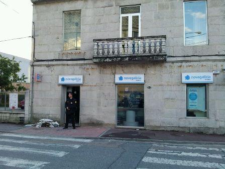 Queman de madrugada un cajero de novagalicia banco en for Banco galicia busca cajeros