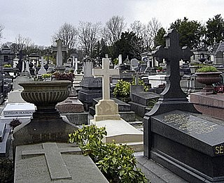 Vitrasa refuerza todas las líneas que van a los cementerios vigueses