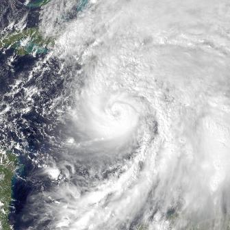 Sandy se aleja de EEUU y se acerca a Canadá como tormenta tropical