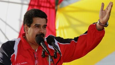 """Maduro llama a la oposición """"herederos de Hitler"""""""