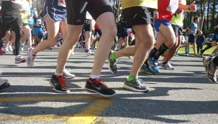 2 muertos y decenas de heridos por dos explosiones en el maratón de Boston