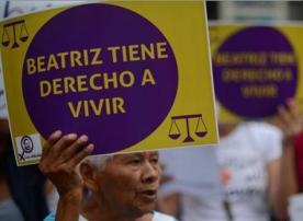 El gobierno salvadoreño autoriza que se practique un 'parto inducido' a Beatriz