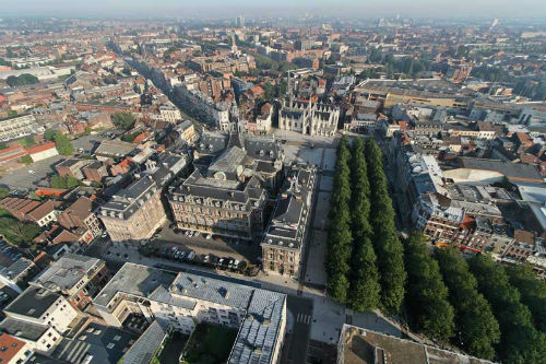 'Diviértete aprendiendo inglés' y 'Francés para viajar', en la UNED de Vigo, en junio