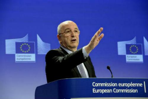 Almunia pretende que devolvamos o mesmo tax-lease que non obrigou a devolver a Francia