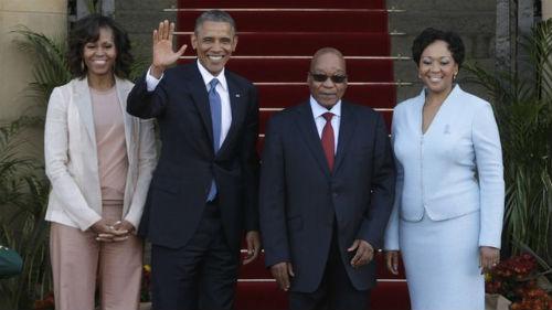 """El presidente de Sudáfrica recalca que Mandela sigue en estado crítico """"pero estable"""""""