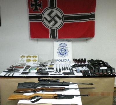 La Policía Nacional desmantela un punto de venta de armas prohibidas a través de Internet