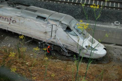 Desde el sábado, toda la vía férrea, con medidas de seguridad que habrían evitado el accidente de Angrois